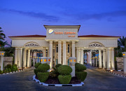 Sultan Gardens Resort. Entrance