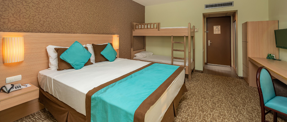 Large Room Sea View with Bunkbed