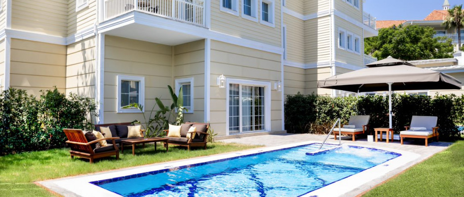Deluxe Suite with Private Pool One Bedroom
