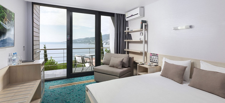 Стандарт Улучшенный с 2 спальной кроватью и раскладным креслом (GREEN PARK)