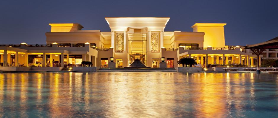 Sheraton Soma Bay Resort. Exterior at night
