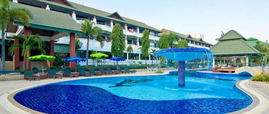 Grand Jomtien Palace Hotel. Swimming pool