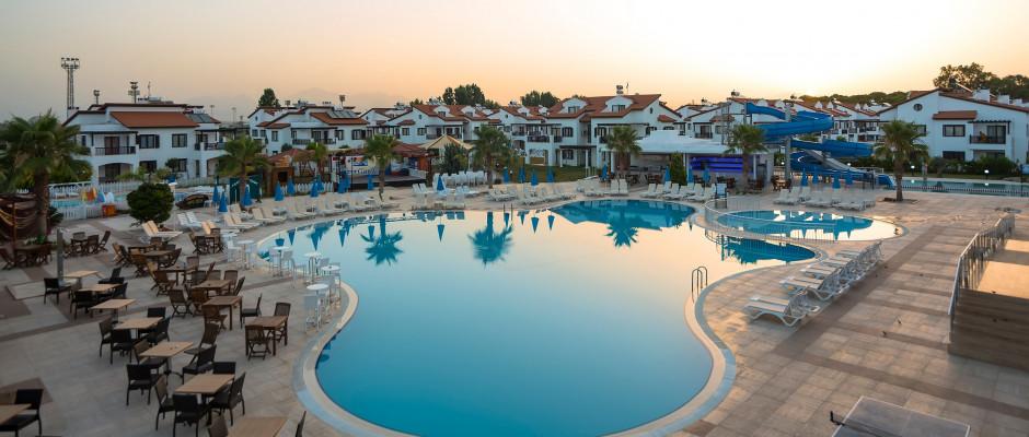 Larissa River Resort Hotel