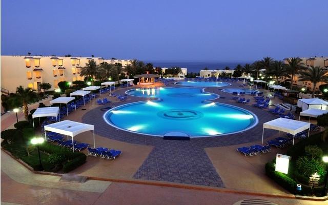 Grand Oasis Resort. Swimming Pool