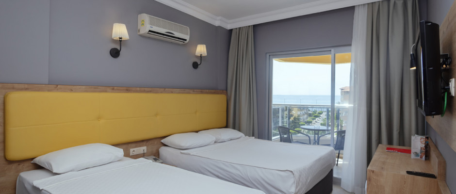 Standard Side Sea View Room