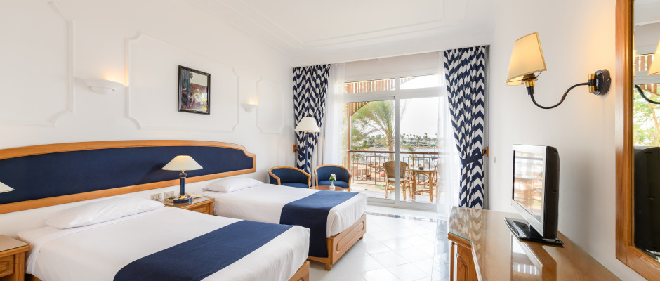 Side Sea View. Twin Beds