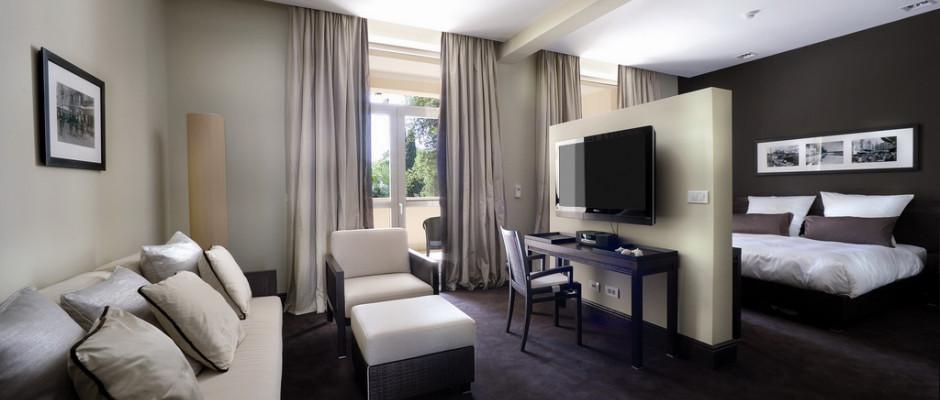Deluxe Sea View/Garden View (Grand Hotel)