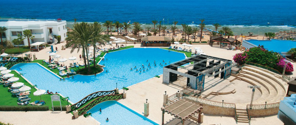 Queen Sharm Resort Beach. Swimming pool